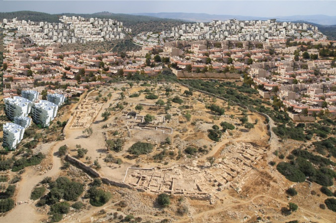 Building up to Qeiyafa