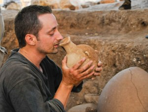Paul drinking for a philistine jug