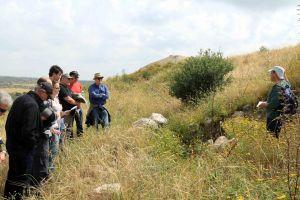 Ackerman field trip at Tel Burna