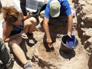excavating tabun on final day 1