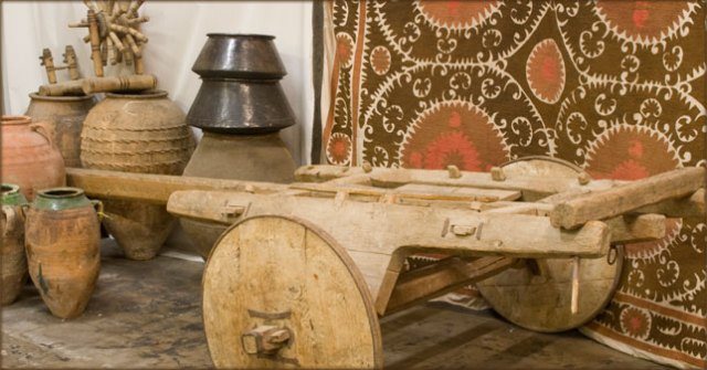 Wagon with full wooden wheel from turkey