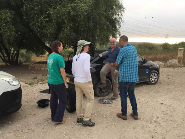 Flat tire on the preparation day in the field