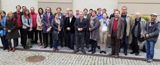 warsaw-meeting-group-picture_9_16