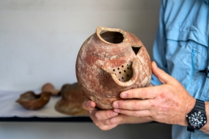 tell-es-safi-gath-ancient-beer-jug